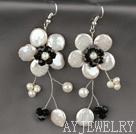 白色纽扣珍珠水晶花朵耳环