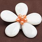 粉珍珠白贝壳花胸针