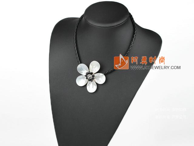 白贝壳花项链