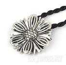 藏银花项链