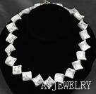 白松石项链