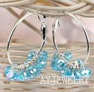 蓝色加彩切面人造水晶耳环