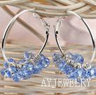 蓝色切面人造水晶耳环