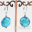 蓝色扁形琉璃耳环