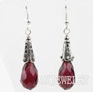 紫红色刻面水滴水晶耳环