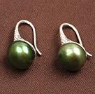 简约军绿色珍珠耳环