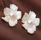 珍珠贝壳耳环 时尚花朵耳钉款