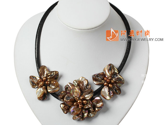 珍珠贝壳花项链