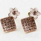 花朵镀金镶钻防过敏耳环