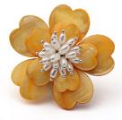 黄色贝壳花 白珍珠胸针