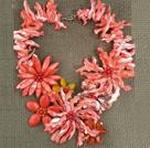 西瓜红贝壳花朵项链