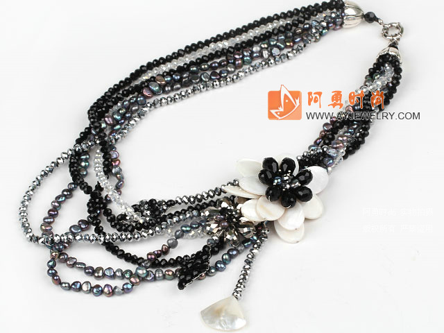 珍珠黑白水晶贝壳花朵项链