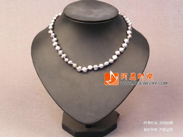 灰色土豆形珍珠项链