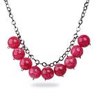 玫红色亚克力圆珠项链
