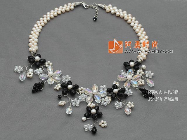 珍珠水晶花朵项链