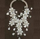 白珍珠贝壳花朵夸张项链