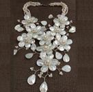 白珍珠贝壳花朵项链