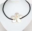 珍珠水晶白色海水贝壳花项链