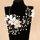 白珍珠贝壳花编织项链