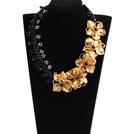 黑水晶黄贝壳花项链