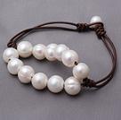 天然白色珍珠皮绳手链 单层简约串珠款