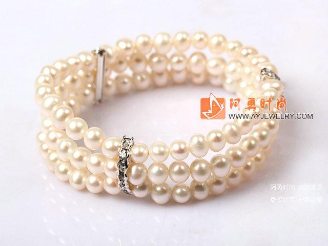 时尚白珍珠手串 三层款